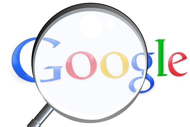 zvětšovací sklo a google