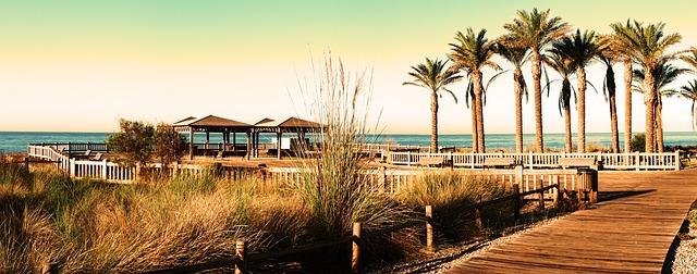 dřevěné molo v andalusii