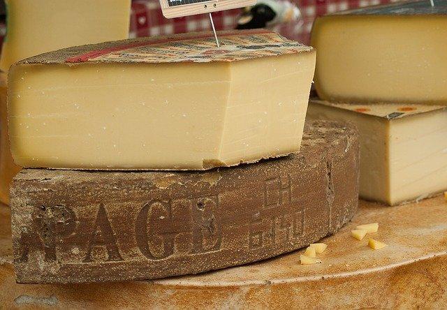 rozřezaný sýr.jpg
