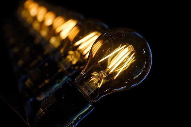svítící žárovky.jpg