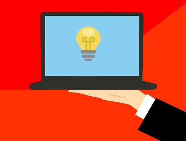 myšlenka v laptopu